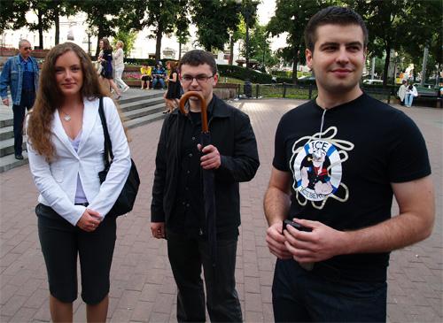 Юля, зонт и Алексей(blog-job.ru)