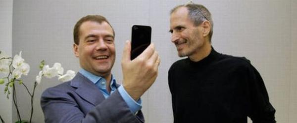Создаётся впечатление, что в Рунете образ каждого политика усиливается прямо пропорционально его реальному «политическому весу»