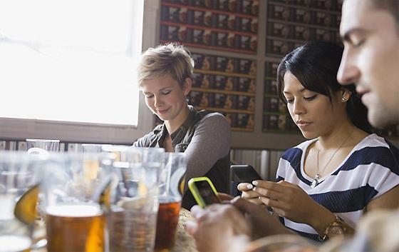 Блогун предостерегает: социальные сети губят ресторанный бизнес!  (страшная правда, раскрытая анонимным менеджером)